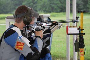 Juho Autio (OMAS) EM-Mariborin 300m kiväärin 3x40 ls kilpailussa heinäkuussa 2015. Kuva: Lassi Palo