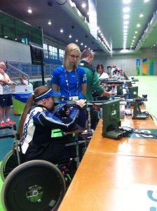 Minna Leinonen Rion paralympialaisissa 2016. Vieressä on hänen avustajansa Kaisa Rinta-Tassi. Kuva: Pirjo Peltola